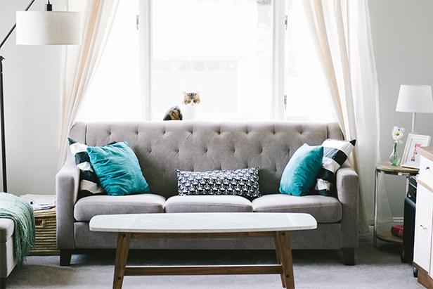 Foto von einem Wohnzimmer mit einem Sofa von Ikea